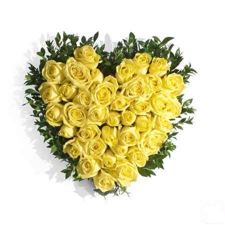 Yellow Rose Heart Bouquet