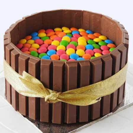 Classic KitKat Gems Cake