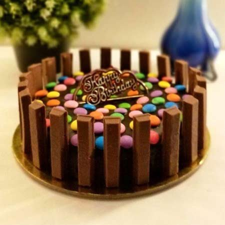 KitKat Gems Special Cake