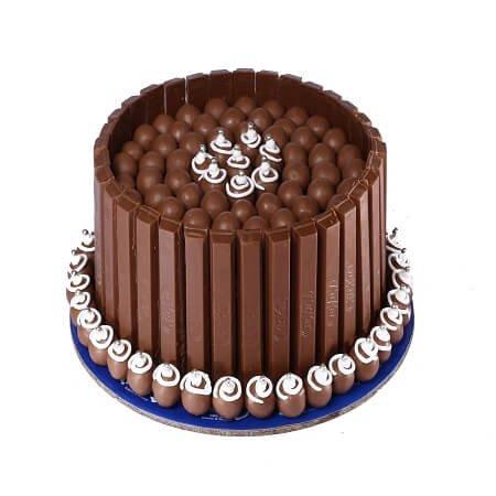 KitKat Shots Cake